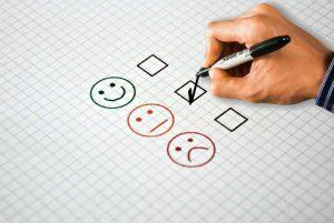 איך בונים בין בני הזוג ביקורת בונה וחיובית?