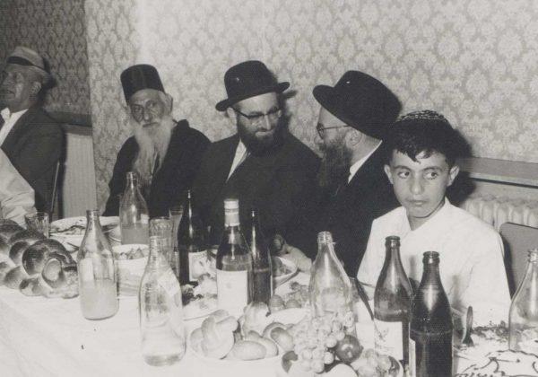 מרן-הרב-עם-זקן-המקובלים-רבי-יצחק-כדורי-זיעא